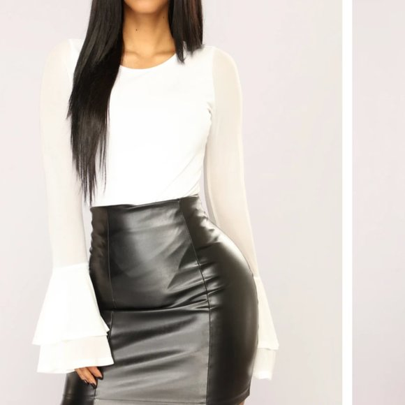 NEW Fashion Nova - White Bell Sleeve Bodysuit